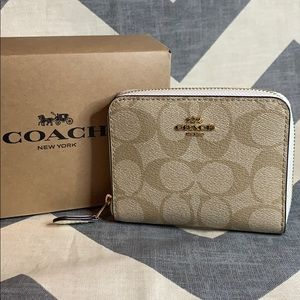 COACH New 2 Style Inside Small Zip Around Wallet